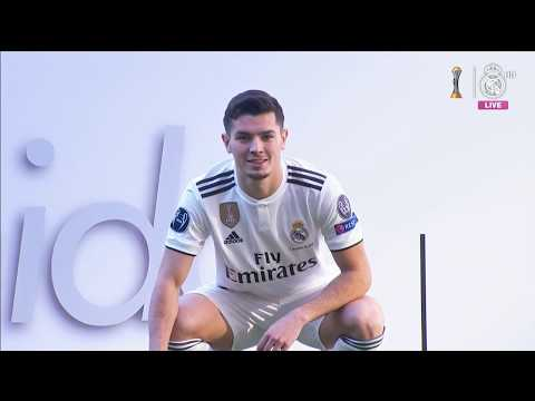 Brahim Díaz takes to the Bernabéu pitch for the FIRST TIME as a Real Madrid player!