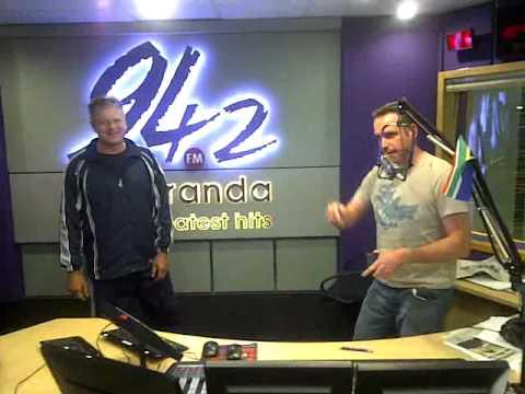 Rian van Heerden tries to defend himself against martial arts expert Soon Pretorius!