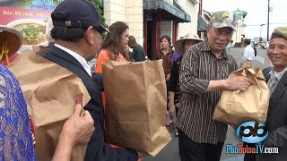 Bữa ăn miễn phí và tâm tình người cho, kẻ nhận trên phố Bolsa