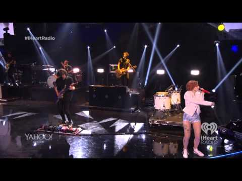 Paramore - Still Into You - !Heart Radio Festival 2014 [HD]
