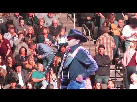 """Amarillo By Morning"" George Strait - Las Vegas 2/1/2019"