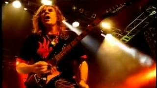 Download lagu Judas Priest   Breaking The Law lyrics y subtitulos en español   YouTube