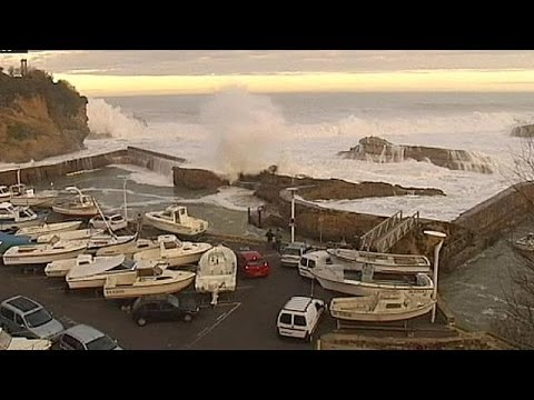 Video: Giant waves hit Europe's coastline