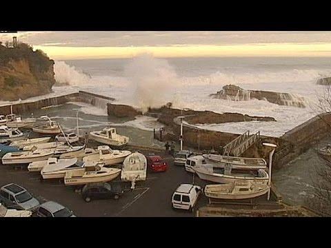 Video: Giant waves hit Europe's coastline