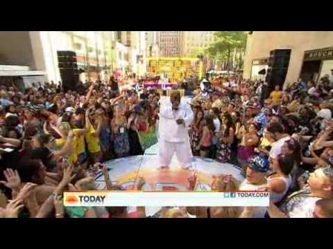 Cee Lo Green -  Bright Lights Bigger City ( Live Today Show 07-22-2011 )