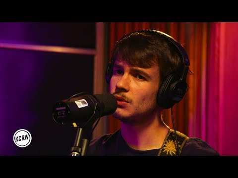 "Rex Orange County Performing ""Corduroy Dreams"" Live On KCRW"