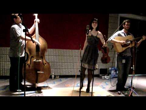 April Verch fiddles and dances at IBMA 2010 showcase
