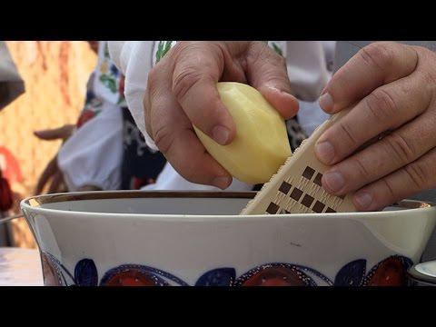 На фестивалі у Коростені дерунами нагодували більше 20 тисяч гостей