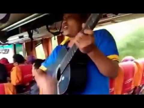 Pengamen kreatif lagu sambalado