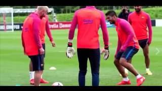 Leo Messi nutmegs Luis Suarez in training