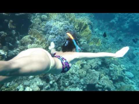 Bikini girl Freedives in stunning spot