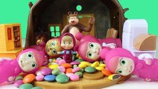 Maşalar Bir sürü Rengarenk Şekerler Yiyor MaşaHem Renkleri Öğreniyor Hemde Çok Eğleniyor