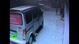 Chinese van runs over 4yr boy, he survives, stands up & walks away