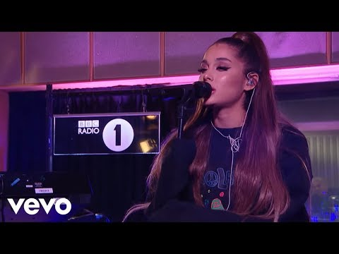 Ariana Grande – R.E.M. in the Live Lounge