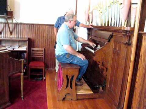 Hinners organ, Zion Lutheran, Gordonville MO