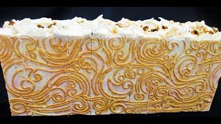 MAKING AND CUTTING ROYALTY COLD PROCESS SOAP