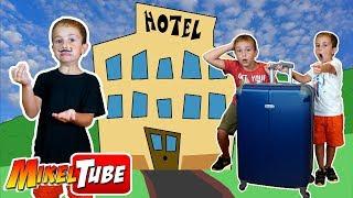 Leo y Mikel van de vacaciones a un hotel rural muy misterioso ¿Quer...