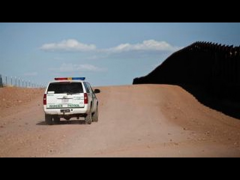 Karl Rove: There's a place for the wall, but not over border of US, Mexico