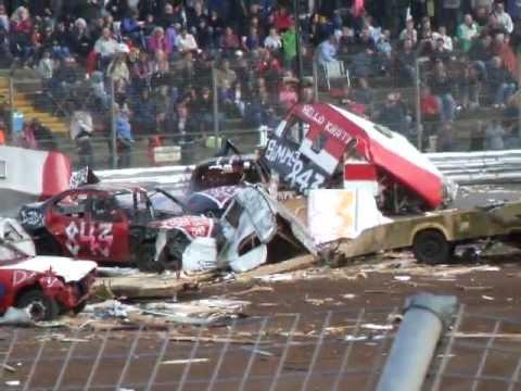Caravan Demolition Derby..... Foxhall Stadium. Ipswich UK.... August 2011
