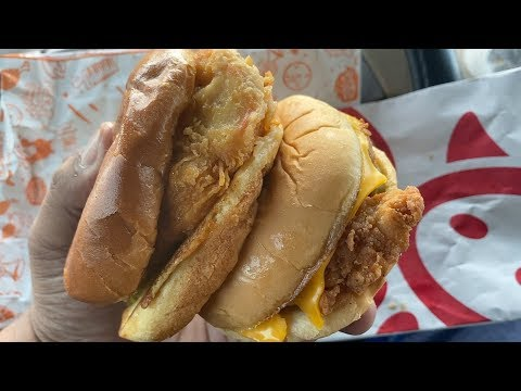 Popeyes Spicy Chicken vs Chick-Fil-A Spicy Chicken | WHO WILL WIN?