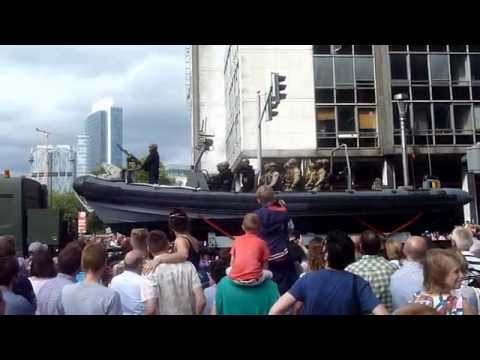 Military Parade Brussels/ Speedboat on Land