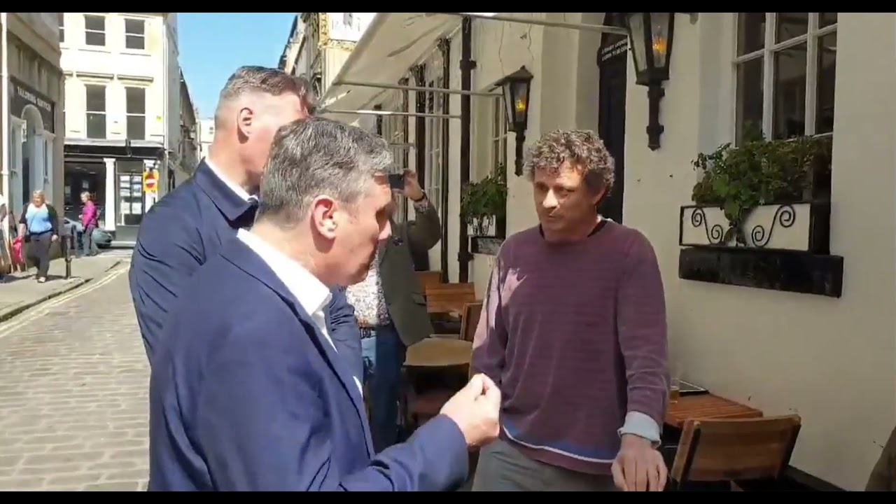 The landlord of The Raven pub in Bath has kicked out Keir Starmer