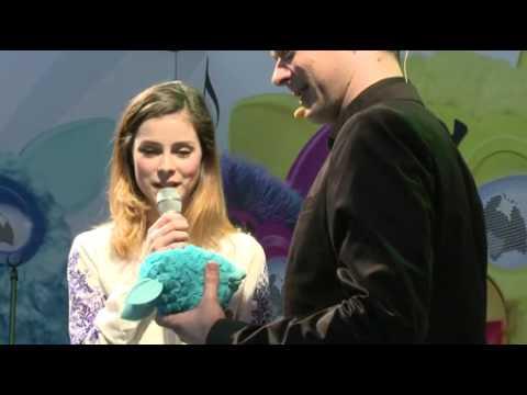 Hasbro präsentiert Furby mit Lena / Lena Meyer-Landrut präsentiert auf der int. Spielwarenmesse in Nürnberg die Neuauflage des interaktiven Spielzeug-Klassikers