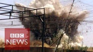 Baixar Iraq: Video reveals ISIS regime in Mosul - BBC News