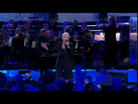 Annie Lennox - Why (live, 19.11.2009, Children In Need Rocks The Royal Albert Hall)(HQ)