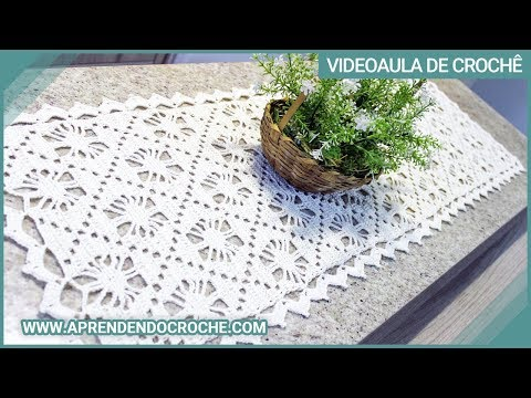 Table runner in Crochet