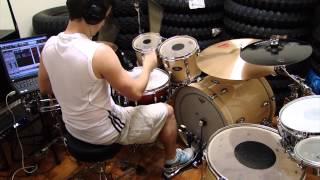 Double stroke roll (hand/foot)