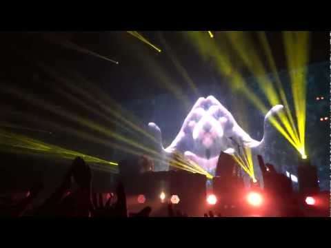 Above and Beyond - Prelude. LA Shrine May 18, 2012. [HD]