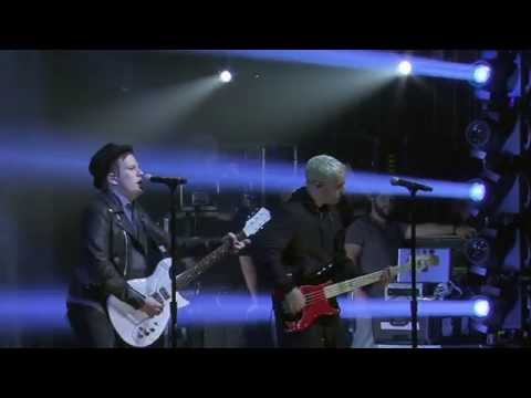 Fall Out Boy- Centuries (Performs Live)