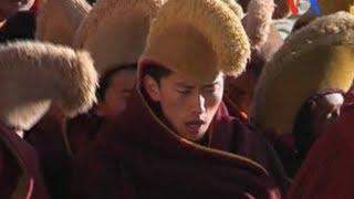 Video Lửa trong Vùng đất của Tuyết: Các vụ tự thiêu ở Tây Tạng download MP3, 3GP, MP4, WEBM, AVI, FLV Juli 2018