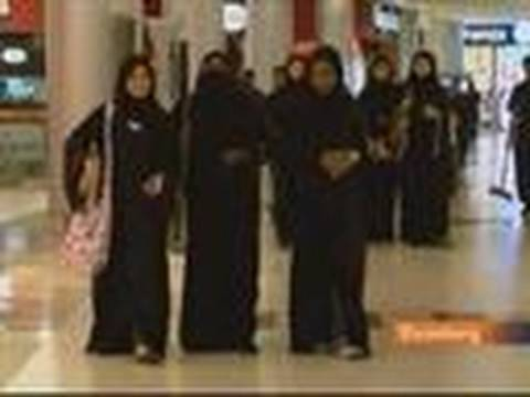 Saudi Women Flex New-Found Freedoms, Financial Autonomy: Video