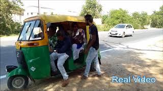 છોકરીને જોઈને રીક્ષામોં બેસવા માટે છોકરાઓ કેવી પડાપડી કરે છે | Gujarati Comedy Funny Video