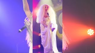 Repeat youtube video Lady Gaga Strips Nekked On Stage During Performance - GAY Night Club