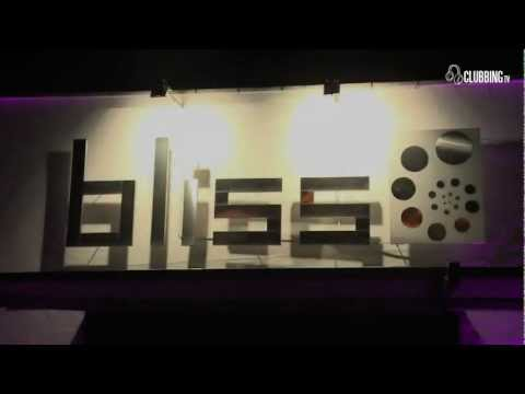 Space Party @ Bliss Club Belgium With Paul Darey & Sispeo'11 On Clubbing TV - PYHU