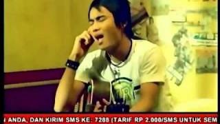 ST12 - Biarkan Aku Jatuh Cinta (New Video Clip)