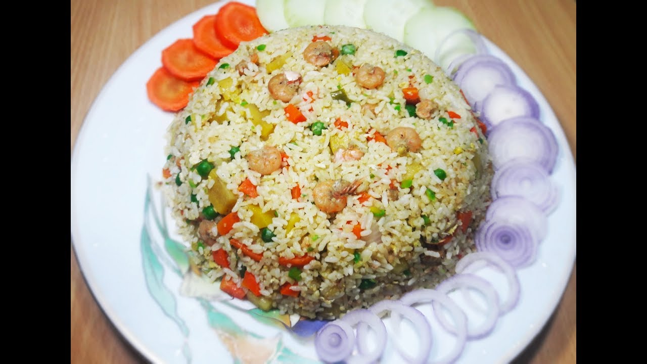 How to prepare shrimp prawn fried rice recipe at home chinese style shrimp prawn fried rice - Six alternative uses of rice at home ...