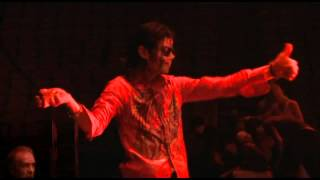Michael Jackson interacting with Co - Musicians in This is it 2009