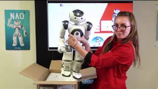 Unboxing your new NAO V6!