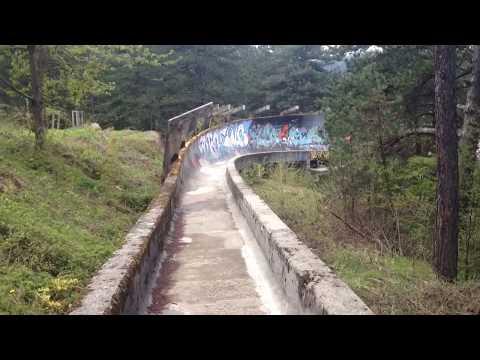 Bobsleigh andando en Sarajevo