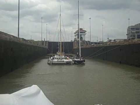 Yacht Transits Panama Canal