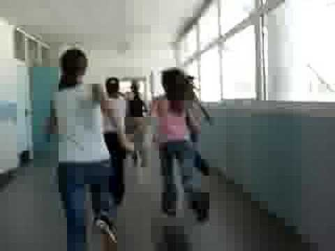 Courir dans les couloirs du coll ge xd youtube for Dans youtube