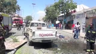 مصر العربية | 8 قتلى في تفجير سيارة مفخخة أمام فندق في مقديشو