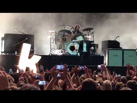 The Killers - Mr Brightside 6/11/17 Radio 104.5 birthday show (Camden/Philly)