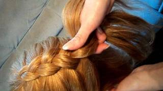 видео плетение косичек для девочек(http://gusevalora.ru в этом видео плетение косичек для девочек показана объемная косичка с вытянутыми петлями,еще..., 2011-05-29T13:36:24.000Z)