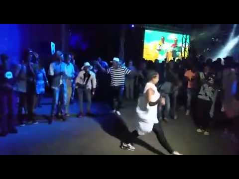 Download The_Video_of_South_African_Youth_New_Dance_Moves_called...............Slyza Tsotsi