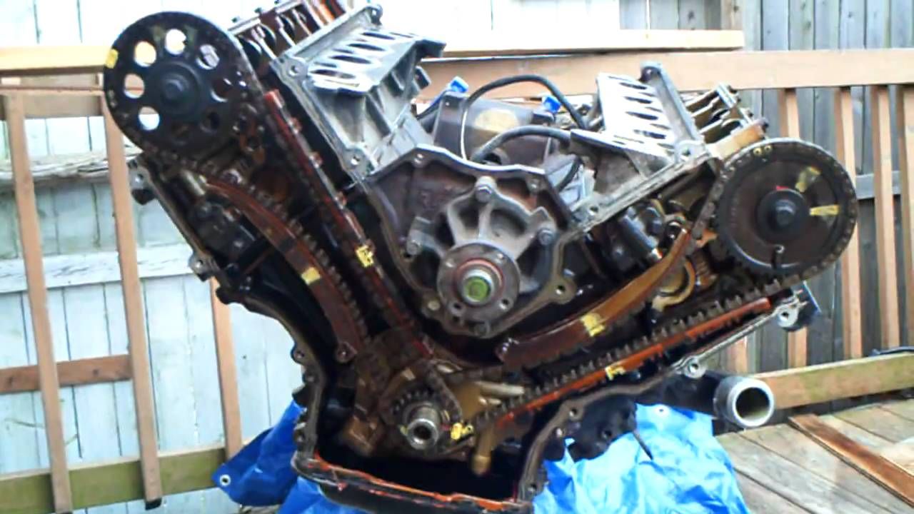 expedition motor job pt 3 youtube rh youtube com 2002 4 6 ford engine timing diagram 4 6l ford engine timing diagram [ 1280 x 720 Pixel ]